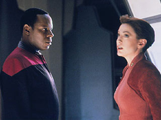 DS9's Sisko (Avery Brooks) and Major Kira (Nana Visitor)