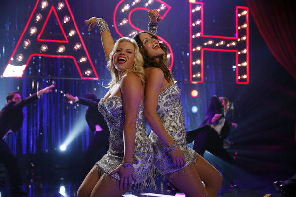 Ivy (Megan Hilty) and Karen (Katharine McPhee) - the best of frenemies? (Image: Smash Wikia)