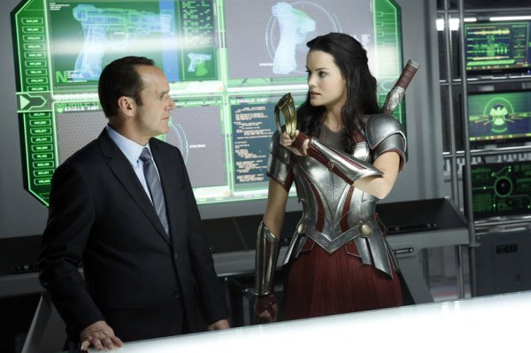 Phil Coulson faces the enchanting Lorelei (Image: ABC)