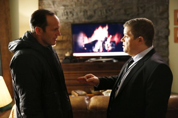 Agent Eric Koenig (Patton Oswalt, right) has important news to share with Phil Coulson (Image: ABC)